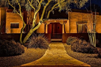 North Star Outdoor Lighting in Scottsdale Arizona showing uplighting on front yard of home
